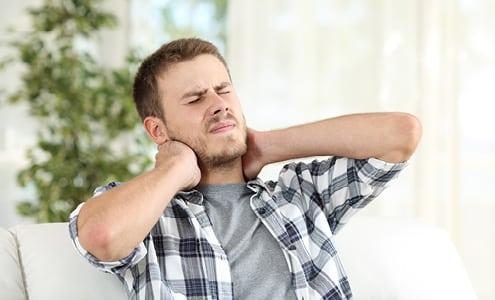 Apunkt akupunktur mod piskesmæld og whiplash